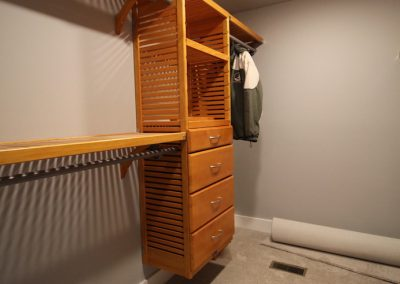 Windsor- interior master closet hisnemec-construction